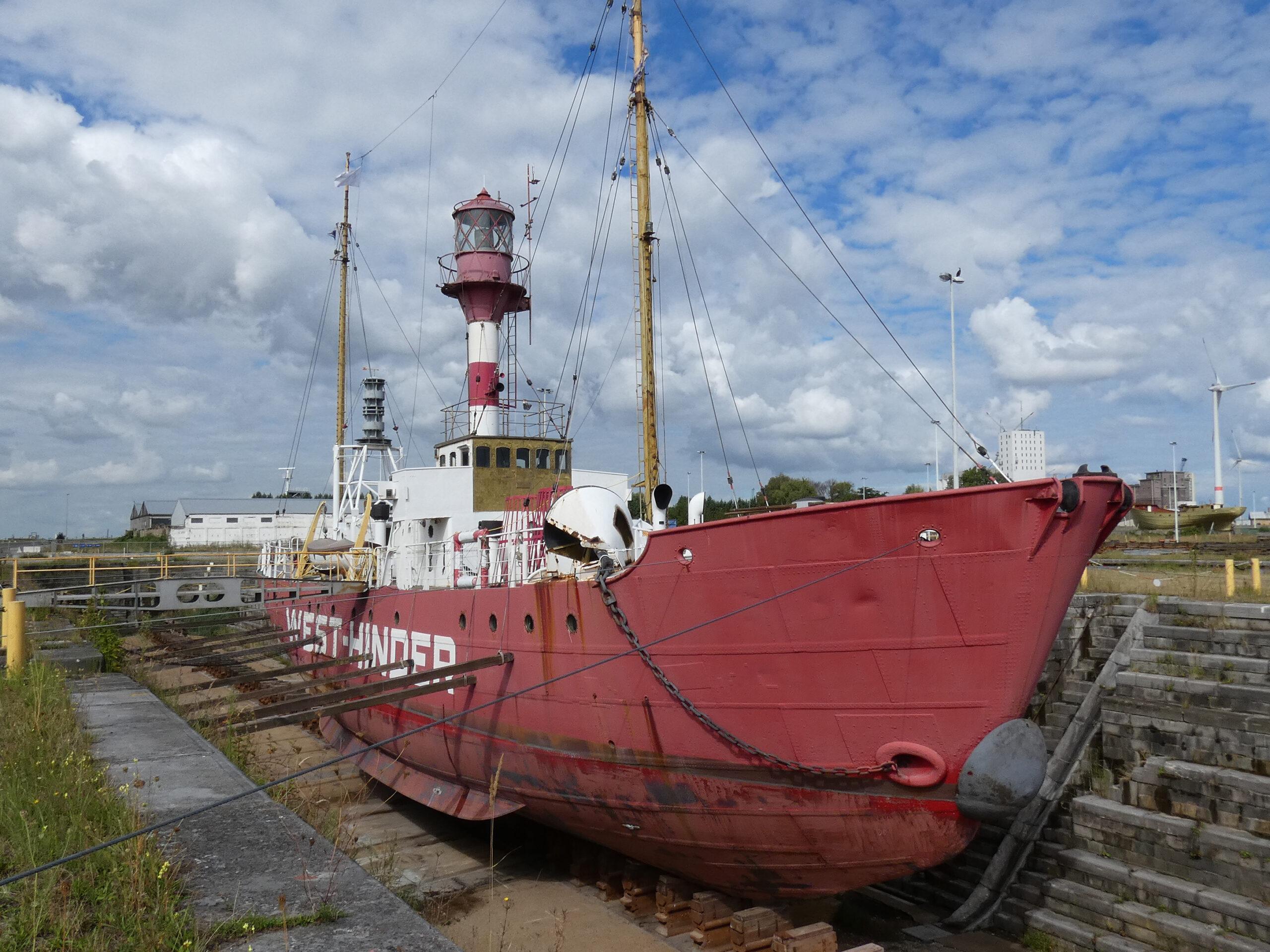 West-Hinder III in droogdok 1 Antwerpen